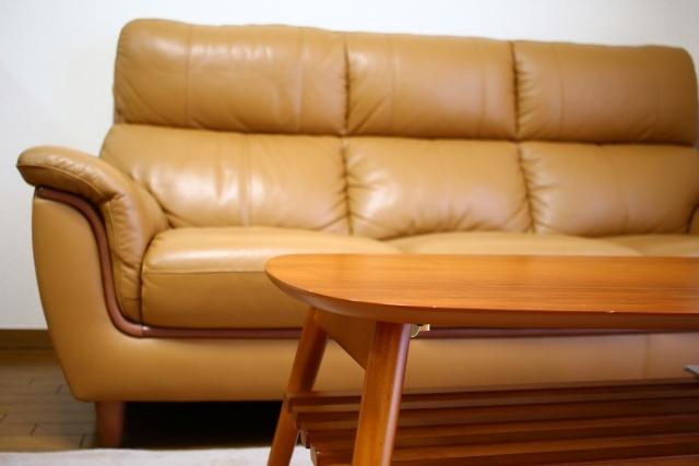ソファーのクッション材の種類と特徴について
